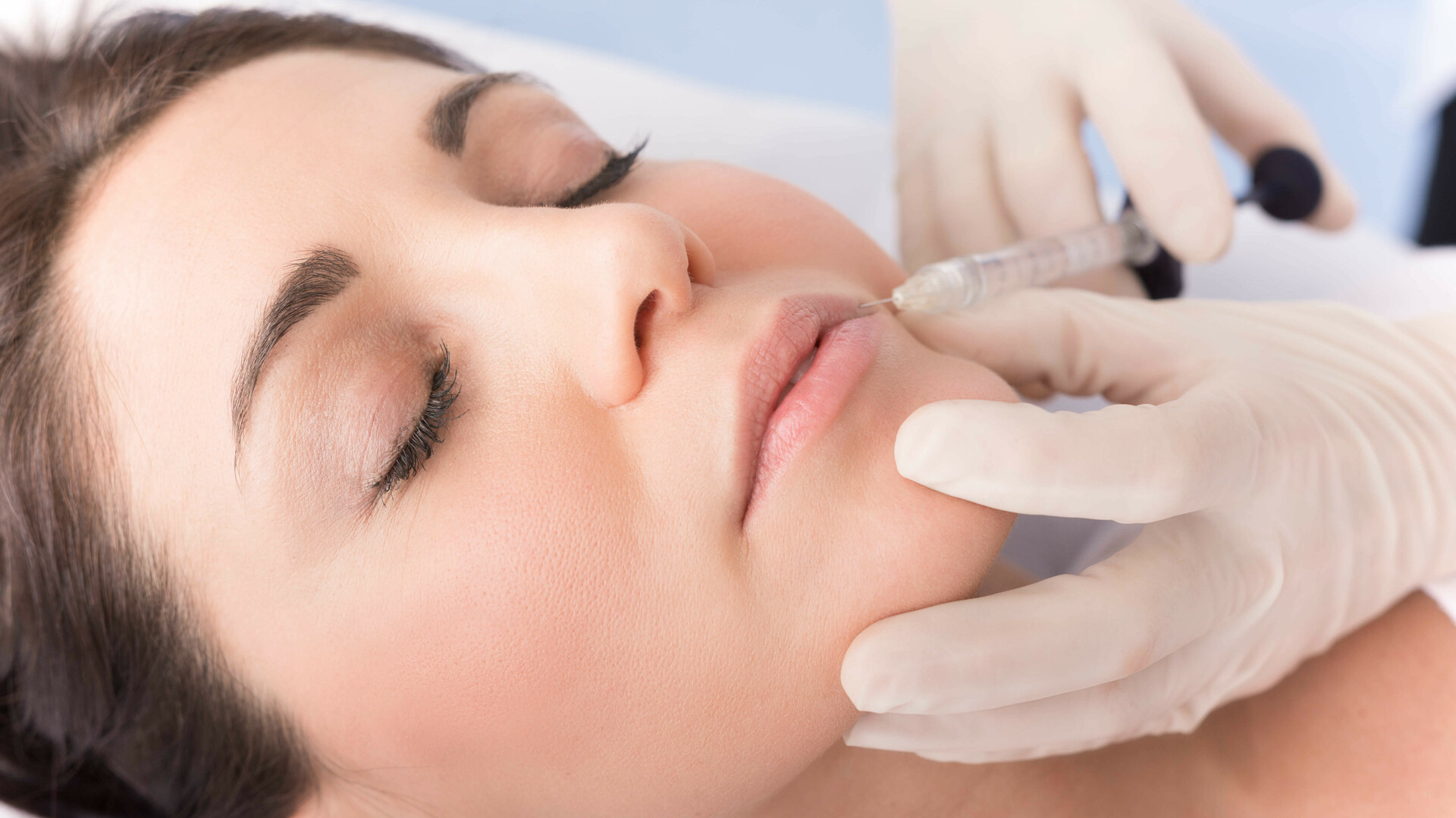 Faltenbehandlung mit Hyaluronsäure und Botox