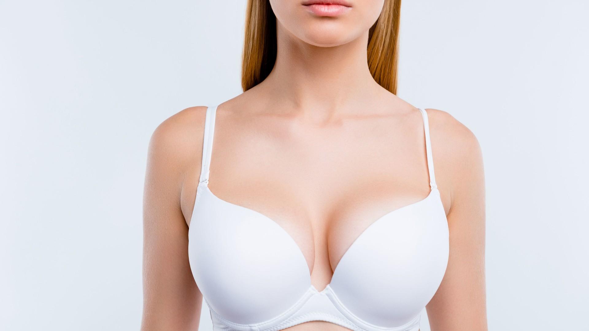 Brustvergrößerung mit Eigenfett: Alternative zu Brustimplantaten